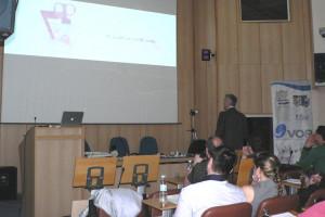 Lecturer Jan Schunemann non-prep veneers