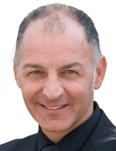 Атилио Сомела, зъботехник, лектор