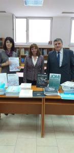 Дарение от Инфодент за библиотеката на МУ-Пловдив